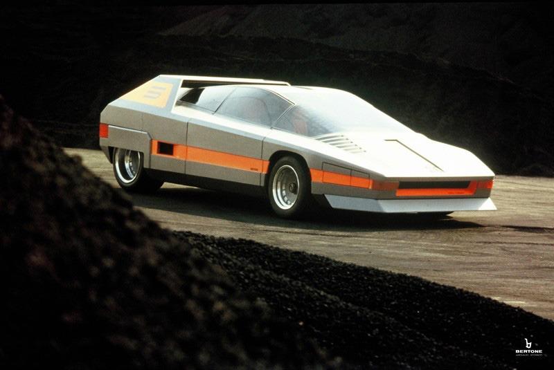 1976_Bertone_Alfa-Romeo_Navajo_16