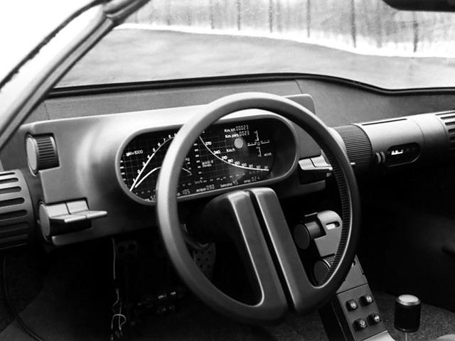 1976_Bertone_Alfa-Romeo_Navajo_interior_01