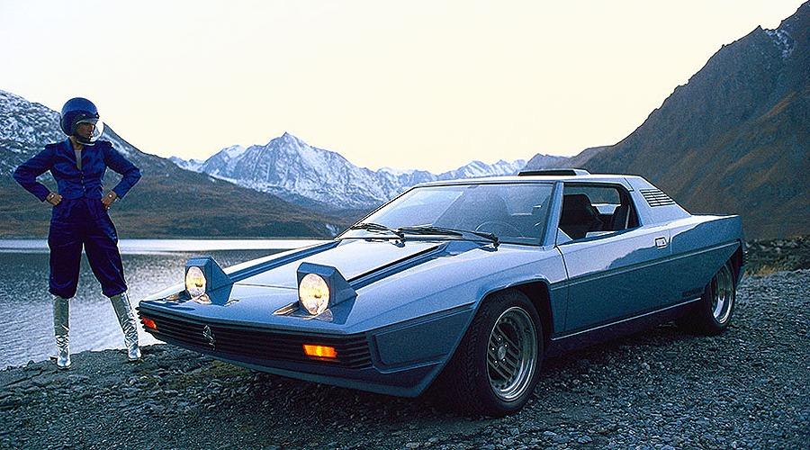 1976_Bertone_Ferrari_308GT_Rainbow_01