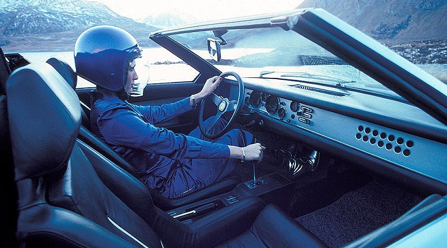 1976_Bertone_Ferrari_308GT_Rainbow_06