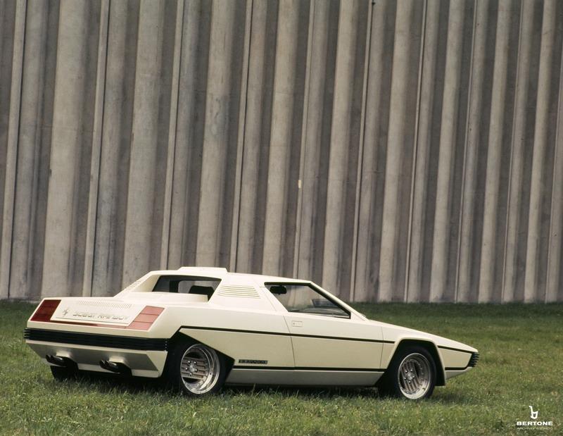1976_Bertone_Ferrari_Rainbow_05