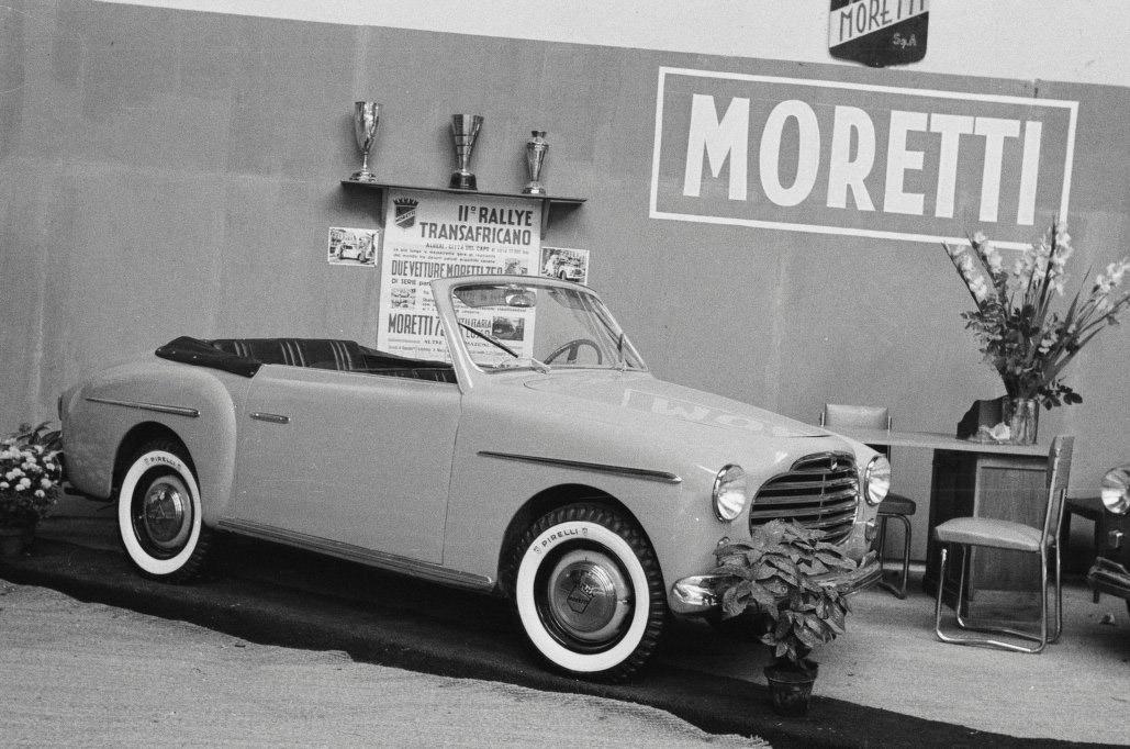 1953-Moretti-750-Cabriolet-1a-series-Paris