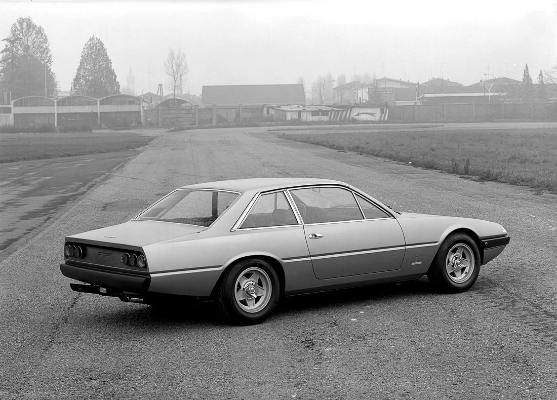 1972-Pininfarina-Ferrari-365-GT4_02