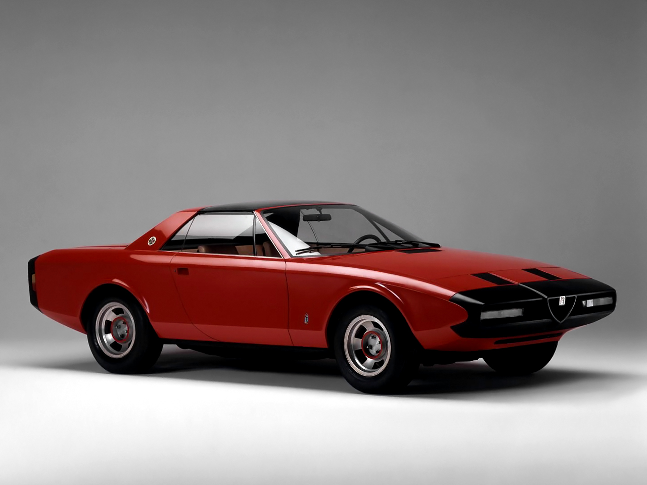 1972_Alfa-Romeo_Alfetta_Spider_01