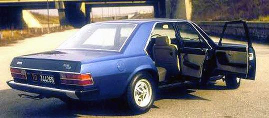 1974_Pininfarina_Fiat_130_Opera_03