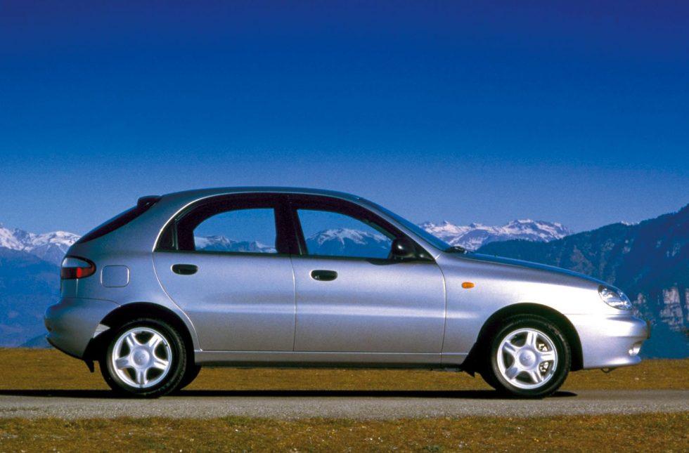 1997_daewoo_lanos-hatchback_01