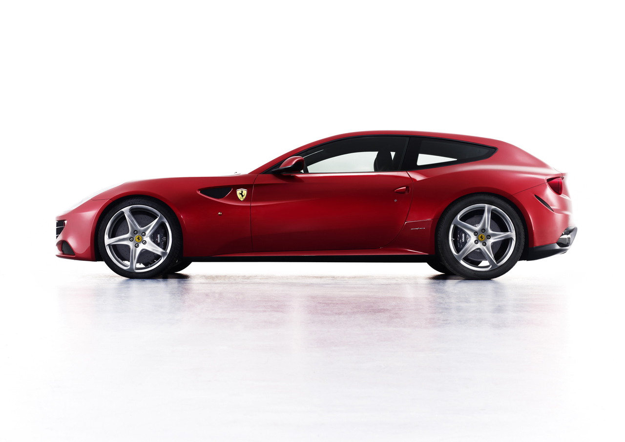 2011_Pininfarina_Ferrari_FF_02