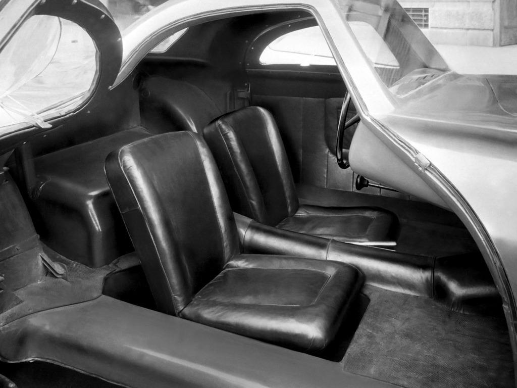 1946 FIAT 1100 COUPE Meteor interior