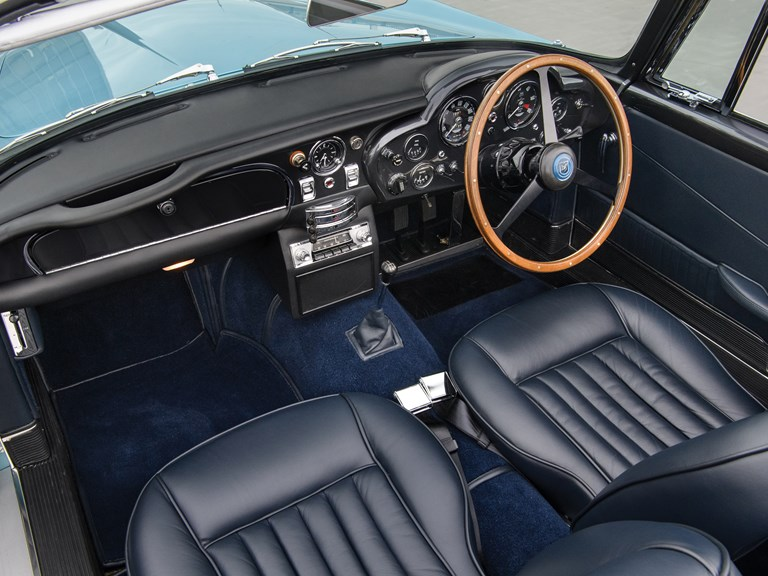 Aston-Martin-DB5-Convertible-11