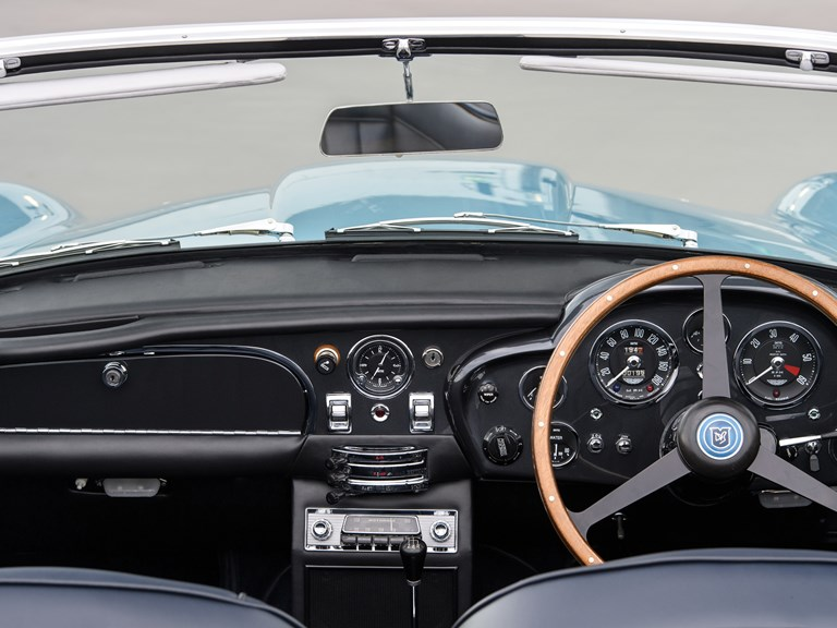 Aston-Martin-DB5-Convertible-12