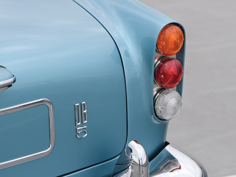 Aston-Martin-DB5-Convertible-7