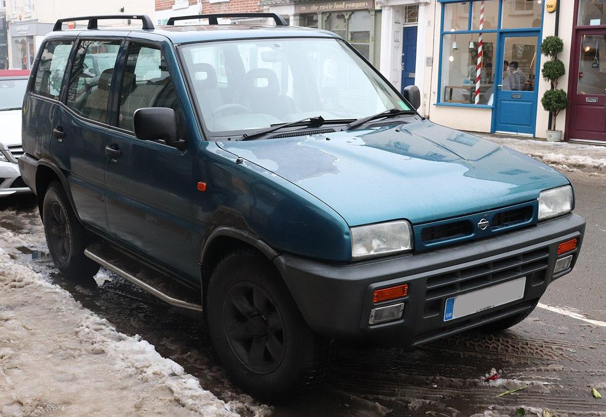 1200px-1994_Nissan_Terrano_II_SLX_2.4_Front