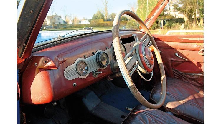 Fiat-1500-Ghia-Cockpit-Lenkrad-bigMobileWideGallery2x-39c646bc-787270