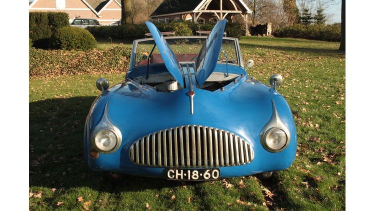 Fiat-1500-Ghia-Frontansicht-Motorhabe-bigMobileWideGallery2x-5a8b5619-787259