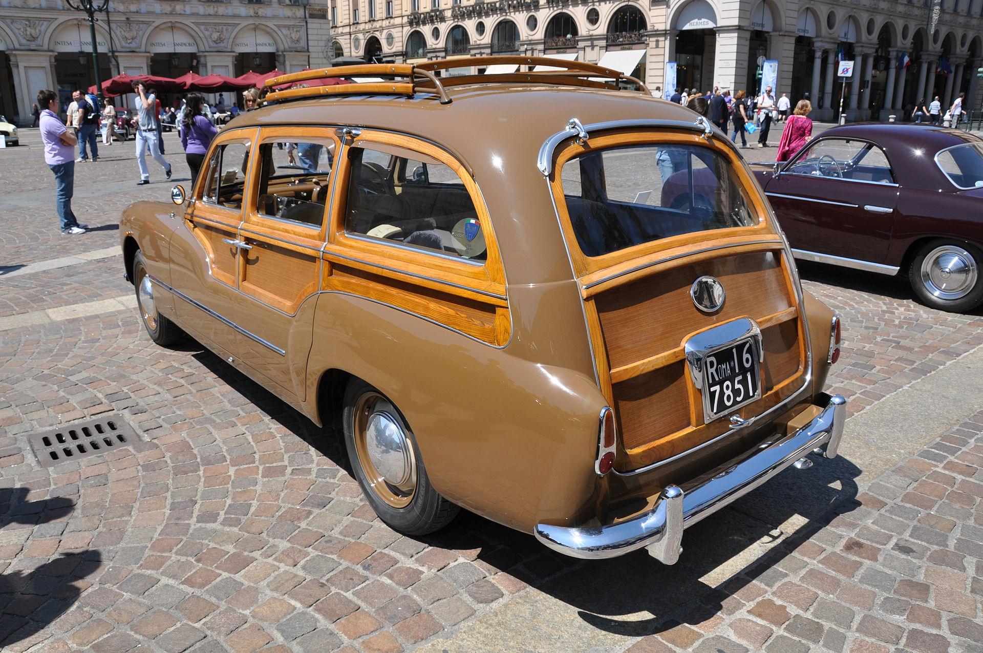 Lancia_Aurelia_Viotti_Giardinetta_1952_rear