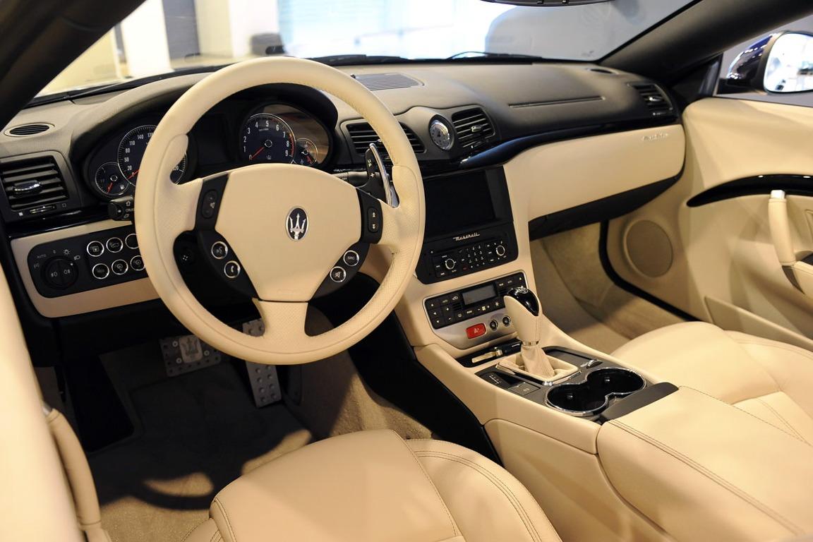 MaseratiGranCabrioInterieur