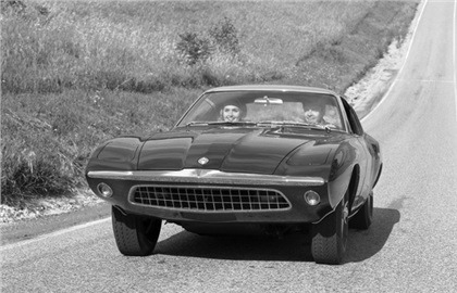 1963_Ford_Cougar_II_concept_car_02