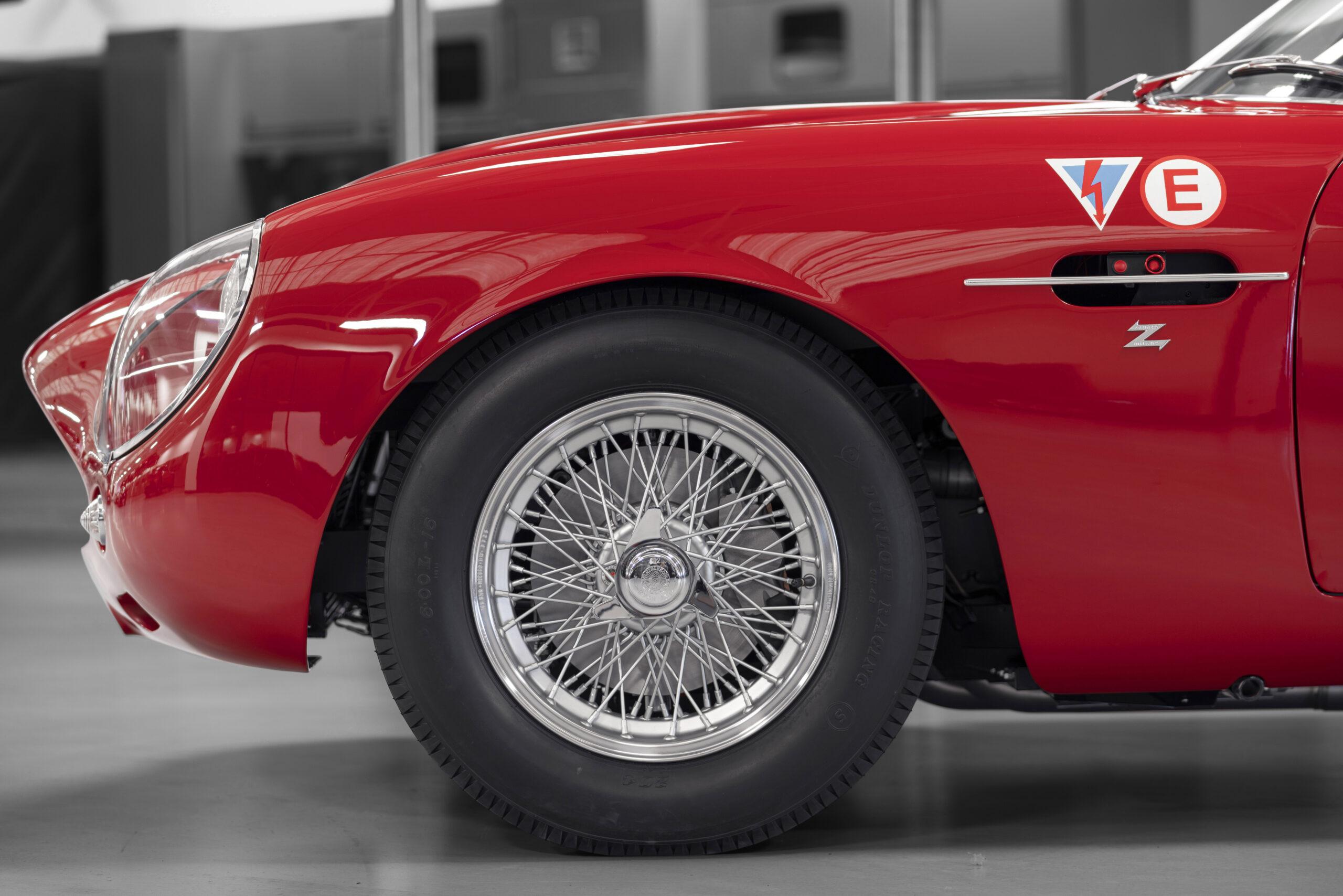 Aston Martin DB4 GT Zagato Continuation (4)