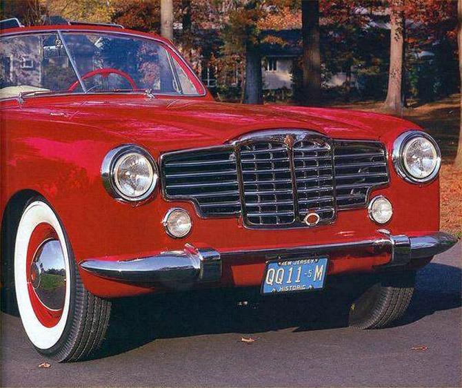 Vignale_Packard_120_Convertible_1948_03