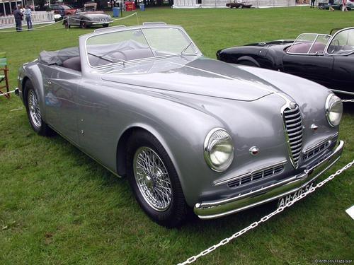 Farina_Alfa_Romeo_6C_2500SS_1948_01