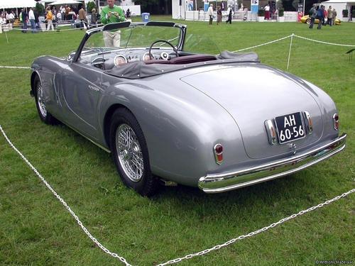 Farina_Alfa_Romeo_6C_2500SS_1948_02