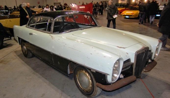 Lancia_Aurelia_B55_Ghia_1955-1956_(1955_coupe_2d)_(01)_-AC1-~2