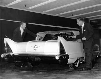 1956_Packard_Predictor_05