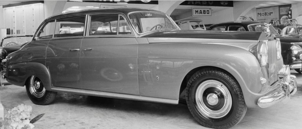 Rolls-Royce Silver Wraith by Ghia