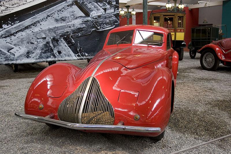 800px-Alfa_Romeo_8C_1