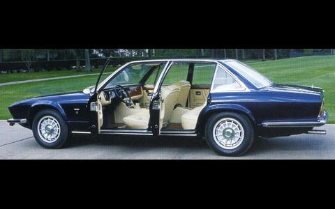 Maserati-Q2_d1pop